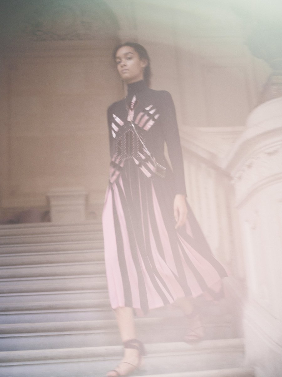 #SS17 Collection by #PierpaoloPiccioli a georgette dress with contrasting pleats enriched by velvet #LoveBlade patch https://t.co/WufNK4FlJE