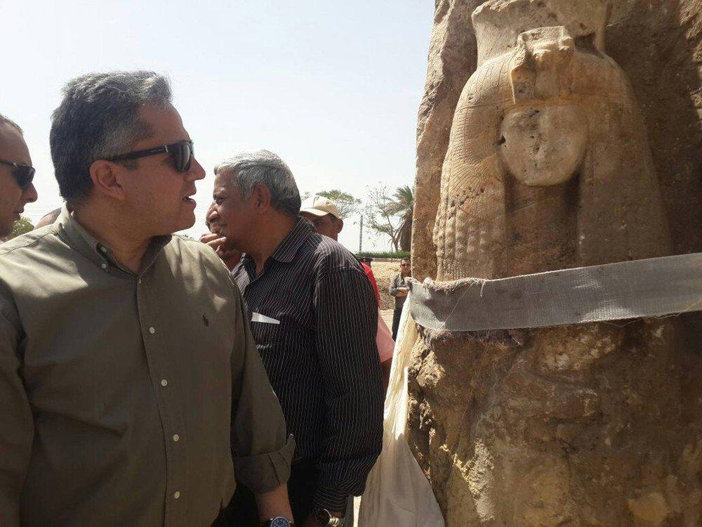 Arqueólogos encontram estátua de alabastro da avó de Tutancâmon https://t.co/vcEgBgBdoe #G1