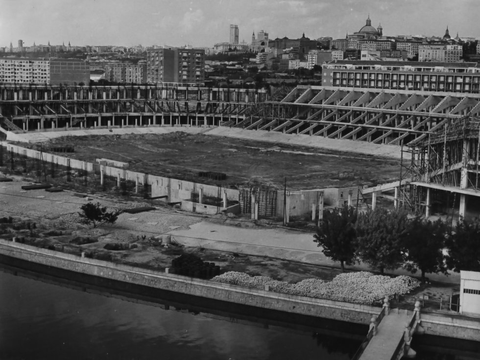 Si te gusta el fútbol y, en especial, el @Atleti te encantarán estas fotos históricas via @el_pais https://t.co/L8eg8okRrR
