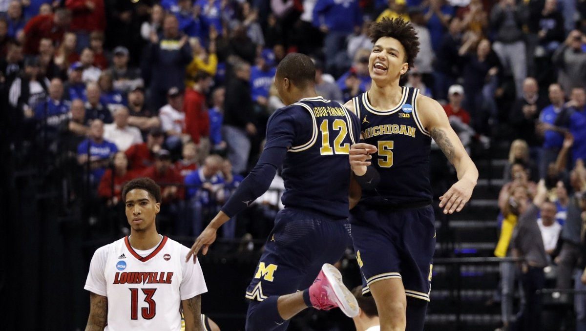 Tipping Off: Michigan talked Super Bowl on way to Sweet 16
