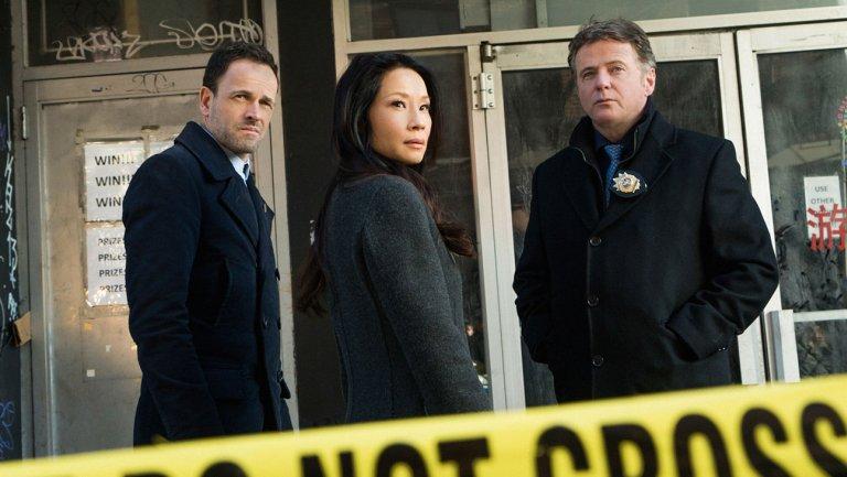 CBS renews 16 series; 2BrokeGirls, Elementary, CriminalMinds on bubble