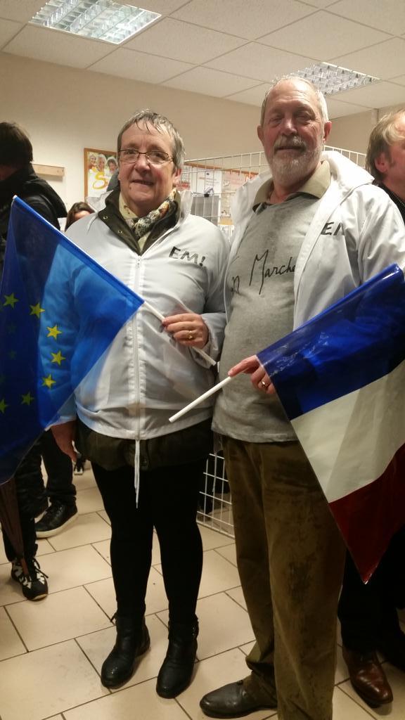Ma photo du jour : Christian et Claudine adhérents en Marche a Migennes : 'EMacron  est celui qui va redresser la France '