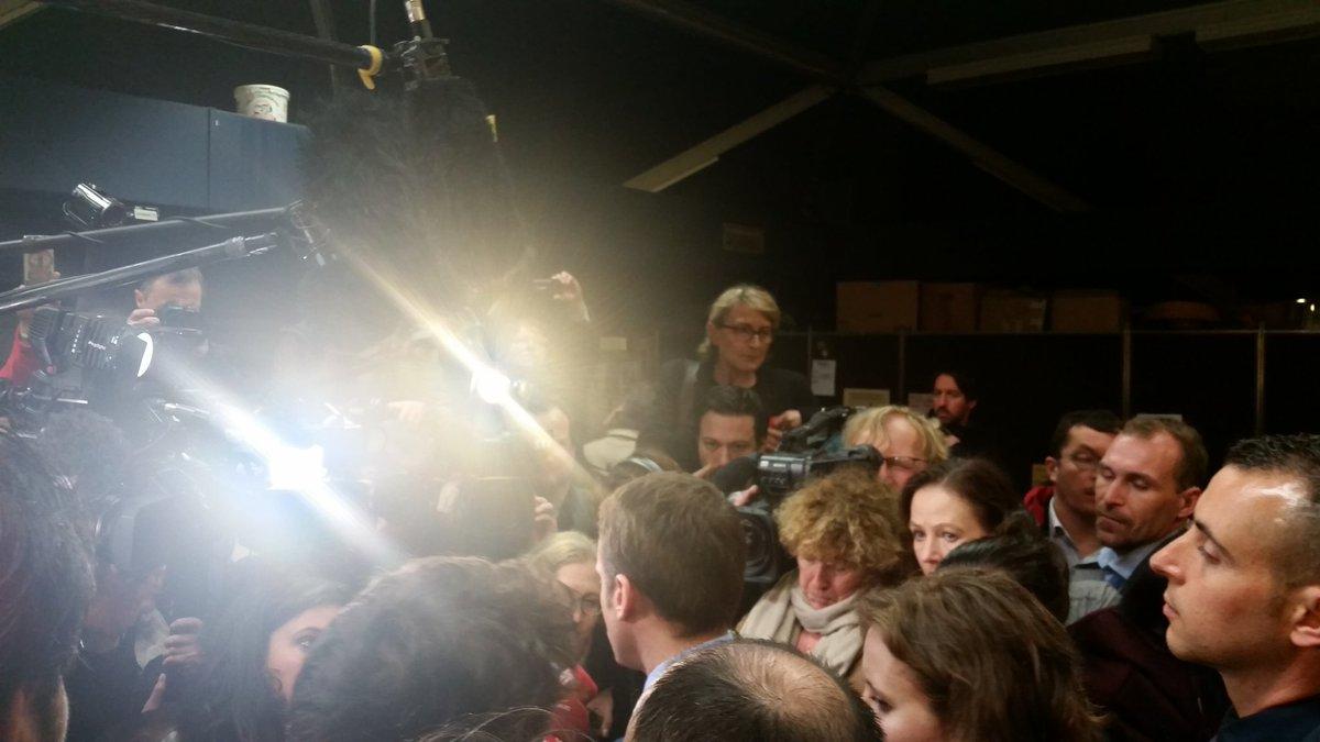 Point de presse en ce moment en Bourgogne.Questions sur  ralliements et aussi sur le rôle de l'Europe et l'Allemagne. Vue de l' autre côté: