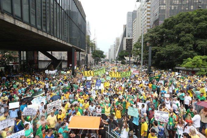 Protestos de  domingo pedem apoio à Lava Jato, fim do foro e rejeição à lista fechada  https://t.co/8sEXuvk0Fx