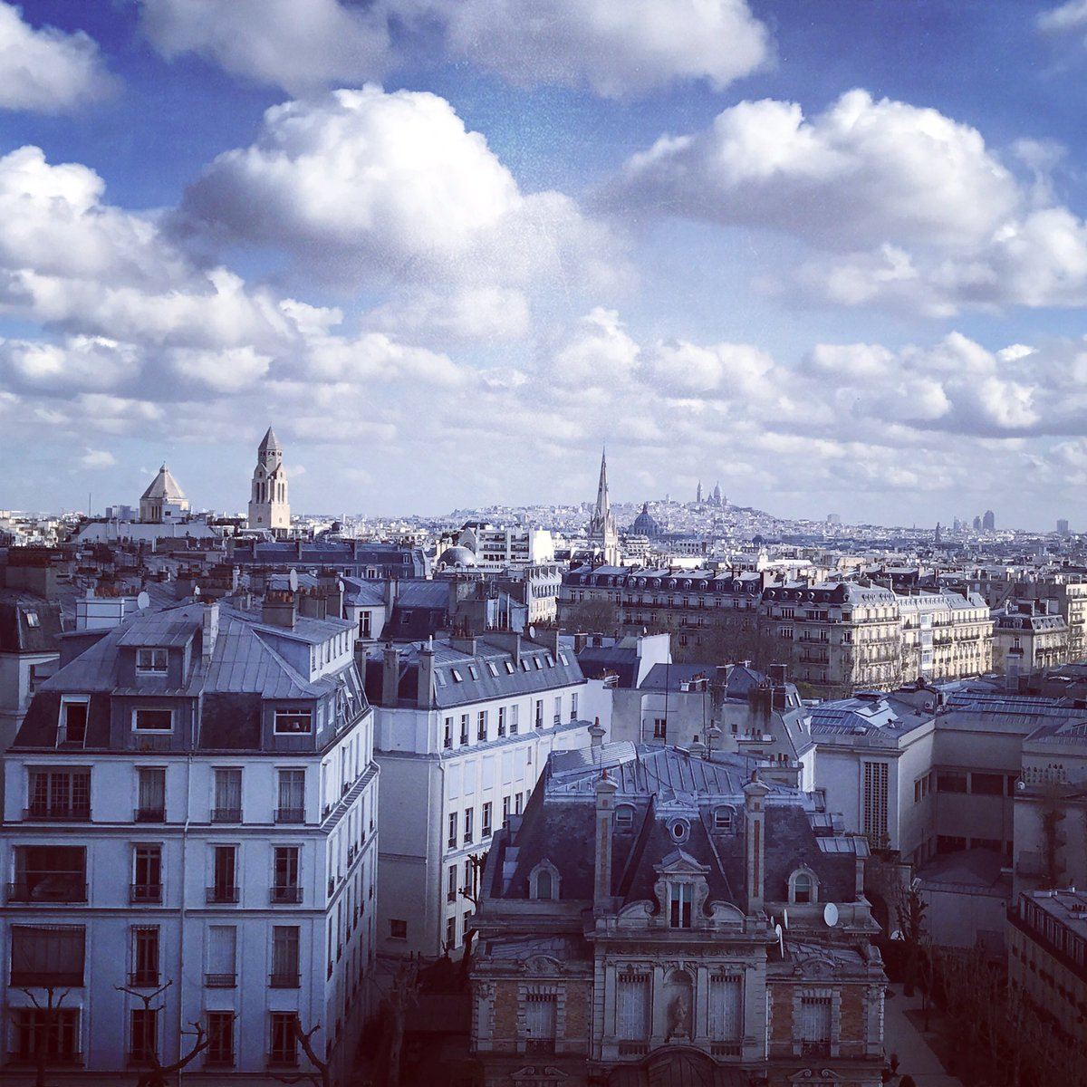 Paris RoofTops from the @ShangriLaHotels https://t.co/zqHF59SRmA