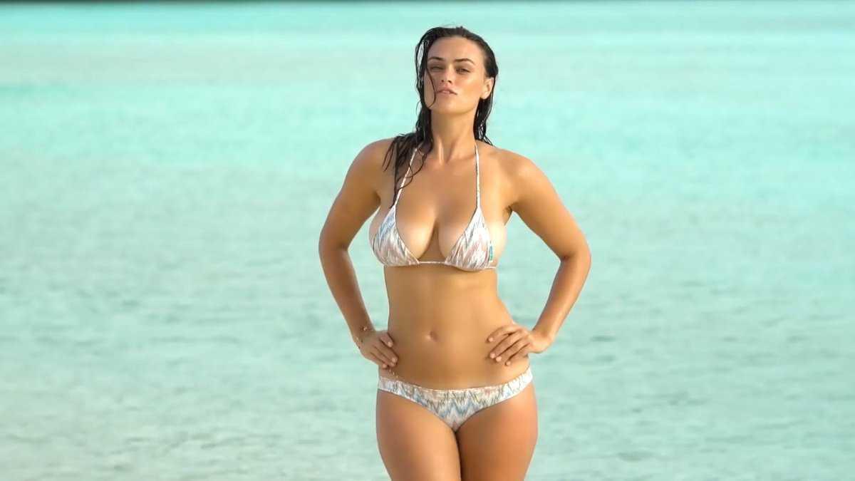 Myla Dalbesio nude 330