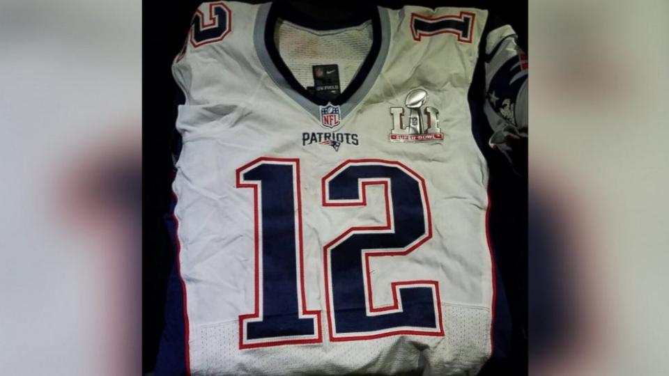 tom brady got jersey back