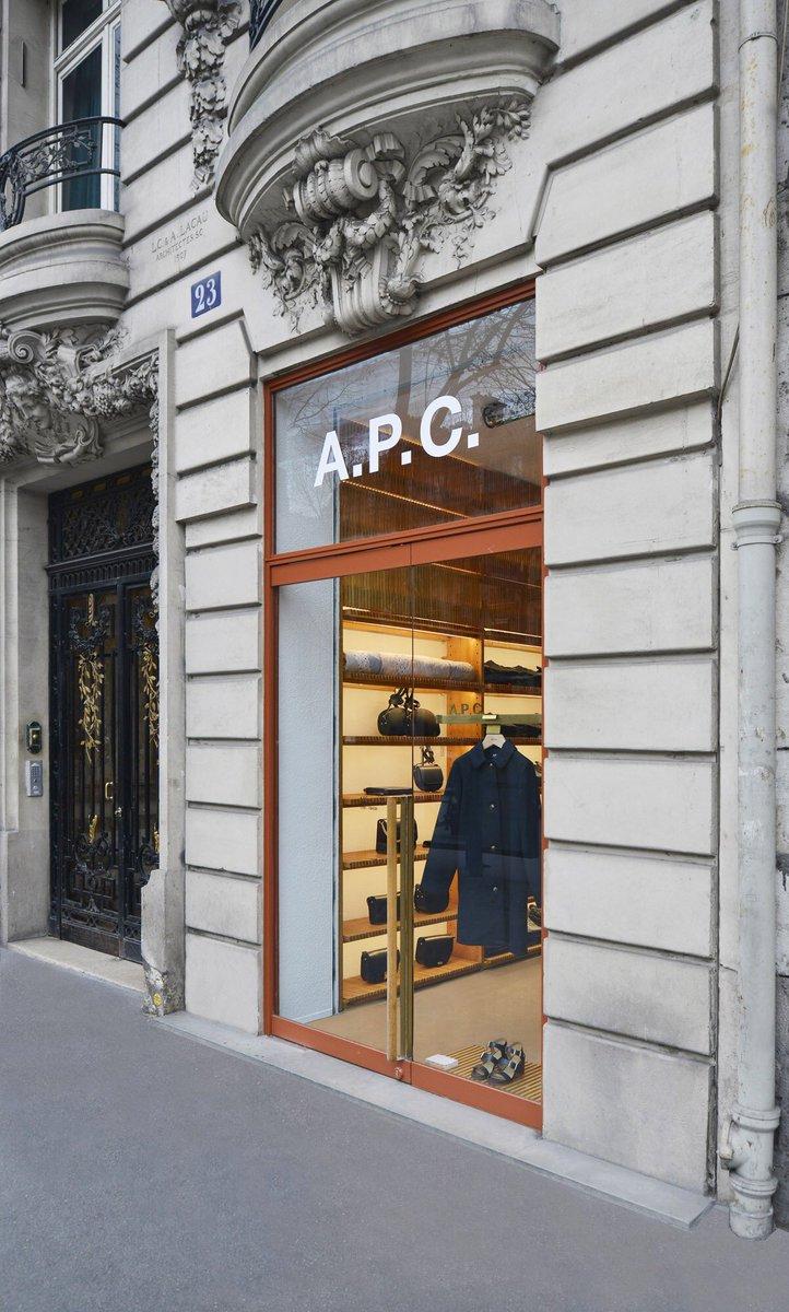 #APC パリ  ロワイヤル通り店 リニューアルオープン https://t.co/Nc04ppysf8