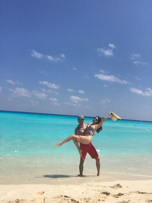 1 pic. Last day on the beach with @DanielWeber99 Cancun Mexico!! https://t.co/RnYQoc085j