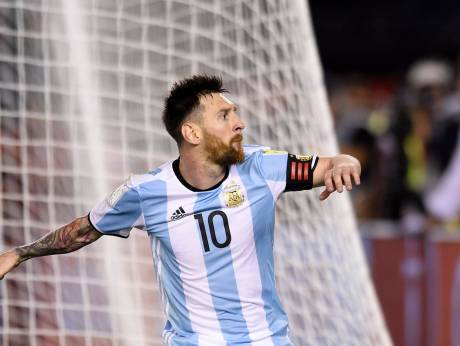 Brazil thrash Uruguay, Messi scores for Argentina