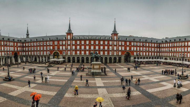 De ruta por la Plaza Mayor de Madrid con motivo de su IV Centenario https://t.co/1kxrygCYjK via @Madridiario