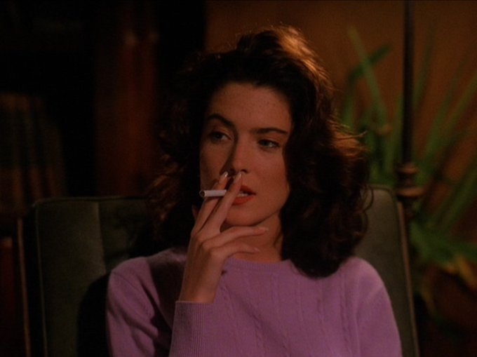 Happy Birthday to Lara Flynn Boyle!