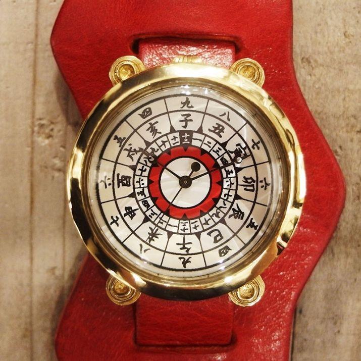 アニメ「#甲鉄城のカバネリ」×A STORY TOKYO コラボ #腕時計 無名モデル大きなケースに、文字盤は漢数字や干