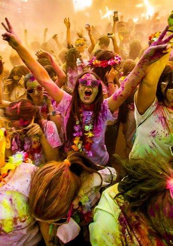 Este domingo 26, llega a Madrid Color Party, con tormentas de colores, hinchables, sorpresas... @ColorPartySpain   https://t.co/1KhkPcI4Rd
