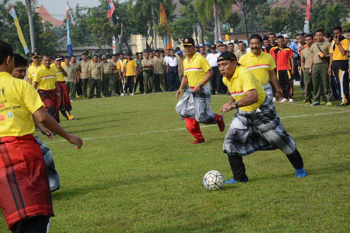 Jalin Silaturahmi Melalui Olahraga Bersama https://t.co/68ONQghBIH https://t.co/a9PnvZj8eH