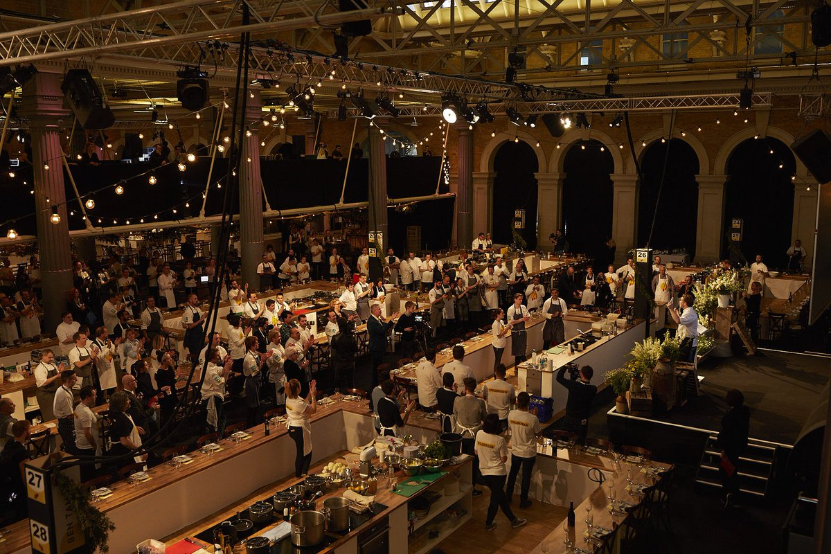 .@GoogleUK - what a beautiful venue and night. Thank YOU! Big thanks Eileen & Kevin. #UKCEOCookOff https://t.co/PSczdcNclh
