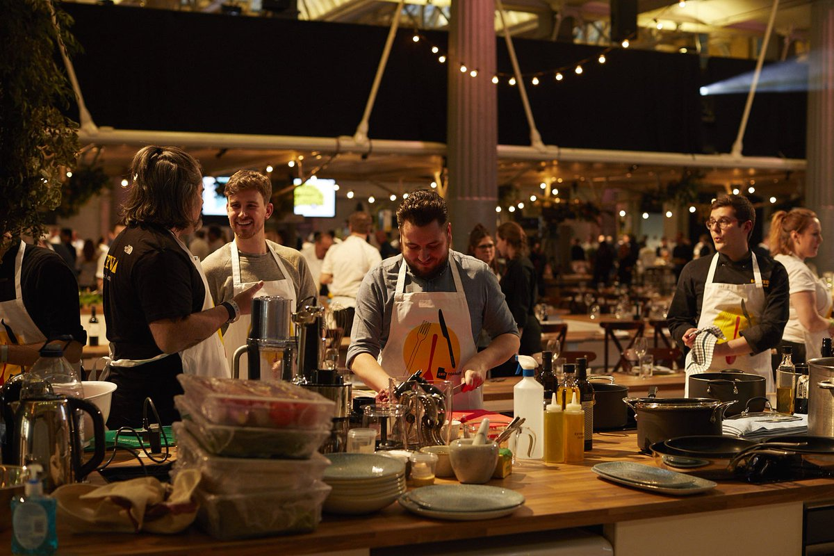 .@HotpointUK what can I say!! Thank you guys for making this all possible. Incredible. Big love #UKCEOCookOff https://t.co/G5bGxKrOkM