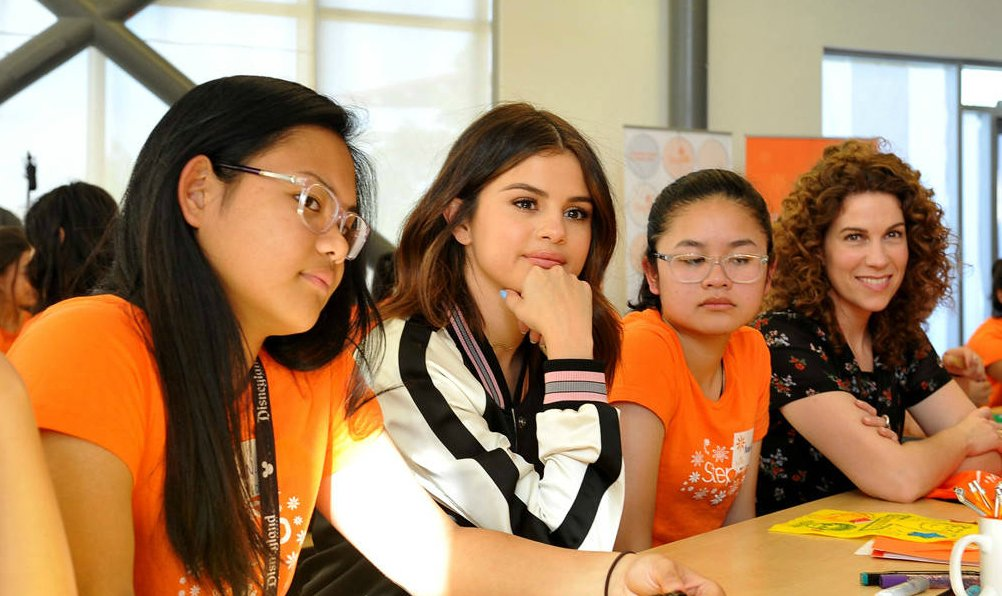 Selena Gomez surprised high school students with a visit and imparted some advice: