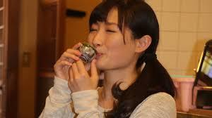 ドラマ版のワカコ酒の 武田梨奈さんがカワイすぎてやばい(サイドポニー最強)。彼女の魅力も大きいが、一人の時間を楽しむ姿を
