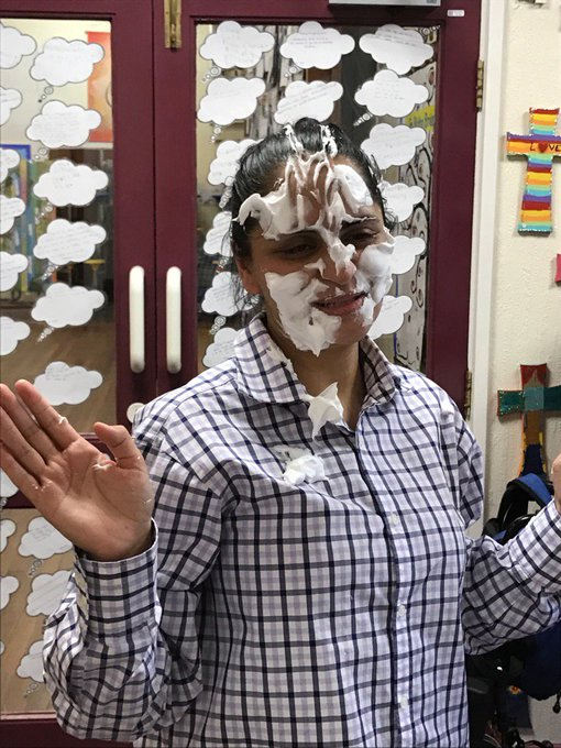Well done Mrs Hafeji, for being a good sport https://t.co/ttgYkDBQ75