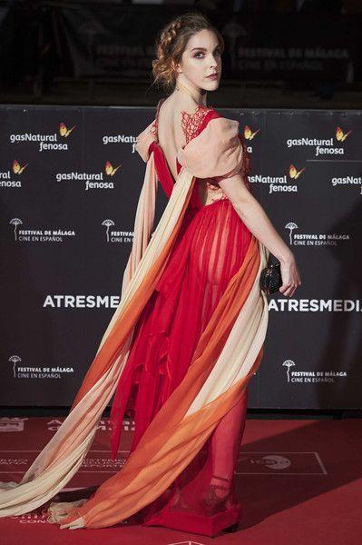 En el @festivalmalaga El maravilloso vestido es de @leyrevaliente ❤️ https://t.co/kCHWShY0Cw