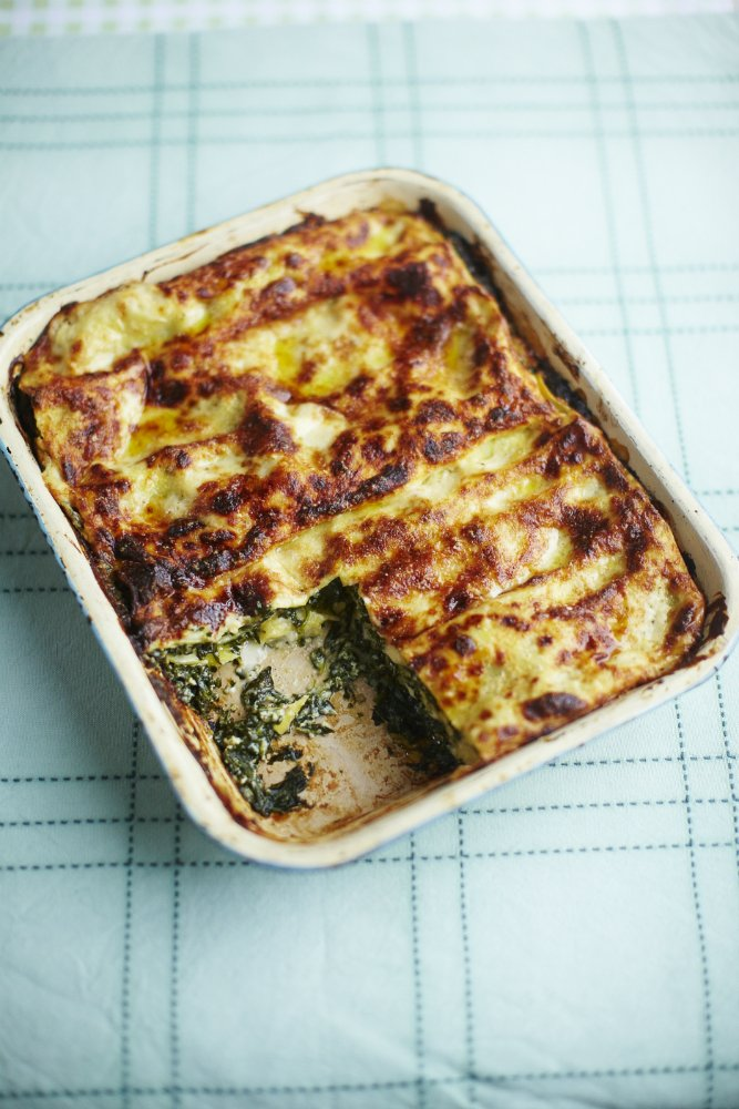 Simple spinach lasagna perfect for #meatfreemonday guys get stuck in https://t.co/VG9Qkbw4uF x x https://t.co/BLREWNGUeQ