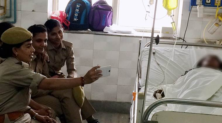 #UP #womenconstables take #selfies with #gangrape survivor#indiaTV