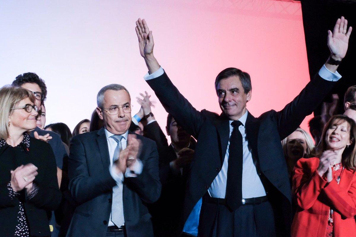Mes amis, à l'action ! J'ai besoin de toutes vos volontés pour appuyer la mienne. J'ai besoin de votre détermination totale. #FillonBiarritz