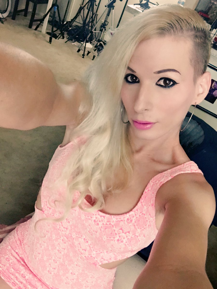 Another day at work... #jamiefrench #bimbo #pink #dress #blonde #tanned yuGDtIm3Ob