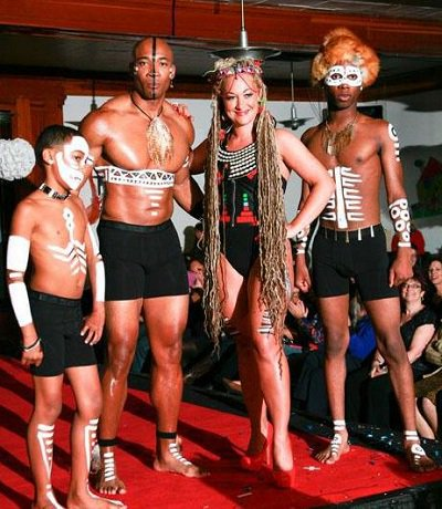 RT @escalat0rs: .@PoliticsGhost Look, it's Rachel with the African Booty Scratcher's tribesmen! https://t.co/fHaZNrYixK