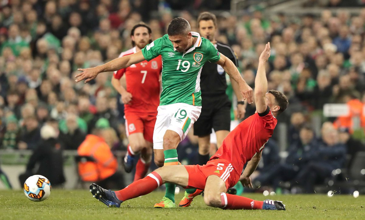 Both teams not giving an inch. A huge second half coming up, c'mon Ireland! #FootbALLorNothing #COYBIG https://t.co/xorvt96l5b