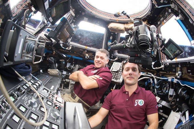 Dois astronautas terminam com sucesso caminhada espacial: https://t.co/343mjy8RmR