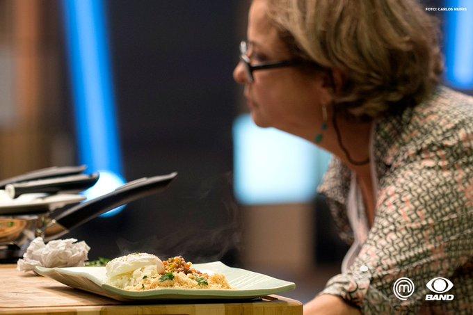 Por que cheirinho de comida caseira pisa tanto, né? Pisa menos! #MasterChefBR