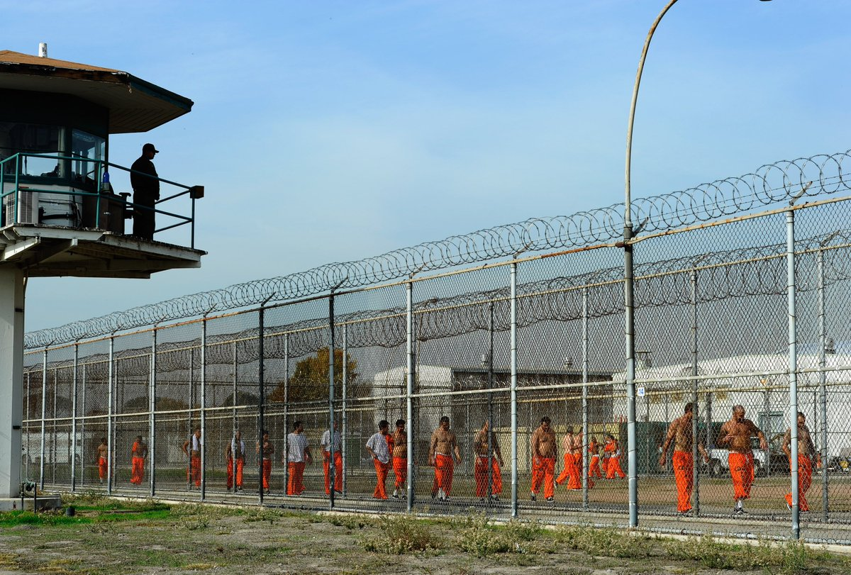 New @CACorrections #prison sentencing rules to cut inmate population by 9,500 over 4 years https://t.co/AbYhxnE5af #massincarceration