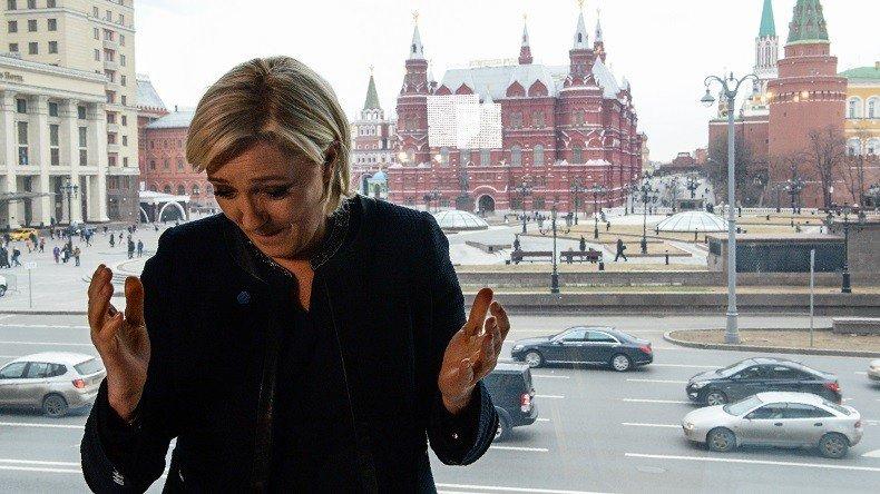 Marine Le Pen à Moscou : quand Hamon agite la menace de «vassalisation» de la France à la Russie https://t.co/ml1Q4Z1tq5