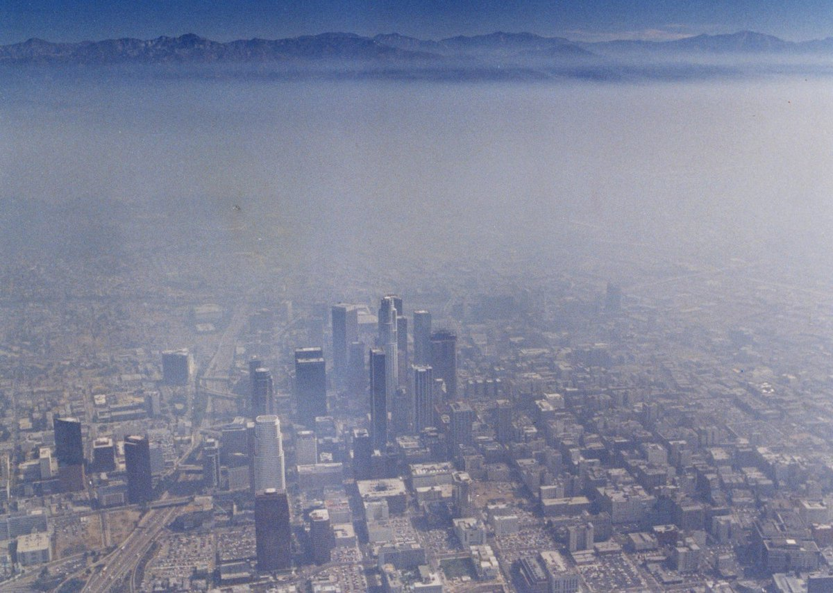 California's vow to reduce auto pollution may be setting up a full-out war with Trump