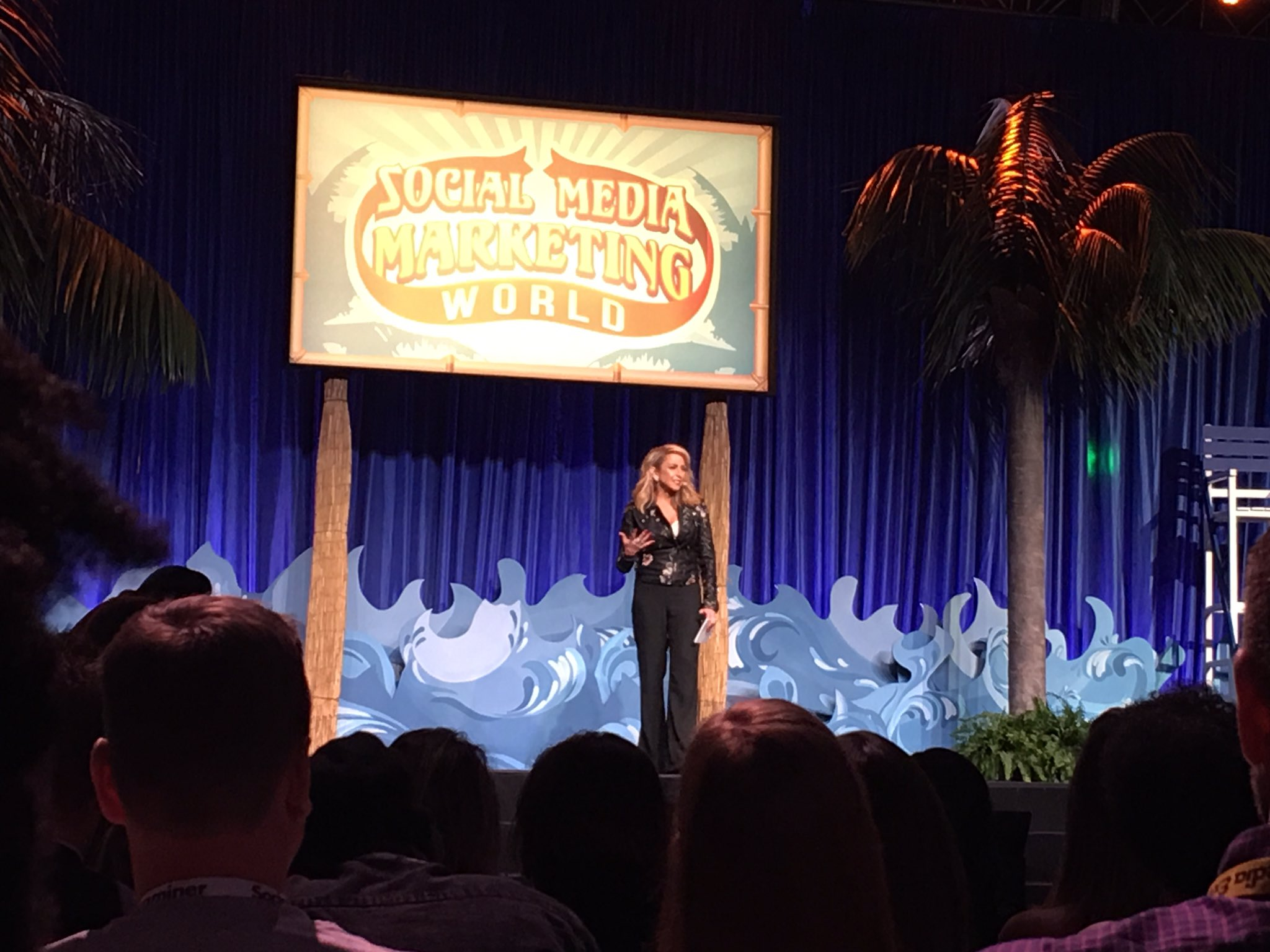 The amazing & energetic @ChaleneJohnson - what an awesome way to finish Social Media Marketing World 2017! #SMMW17 #fitness #inspiration https://t.co/eIIVcAhy2v