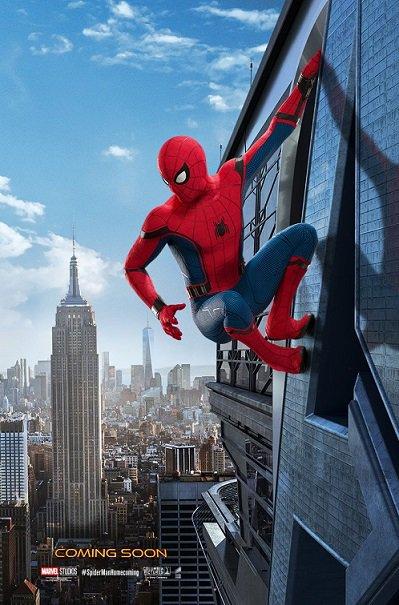 映画『スパイダーマン:ホームカミング』8/11公開、アイアンマンと夢の競演 - ポスターには「アベンジャーズ・ タワー」に登る姿が