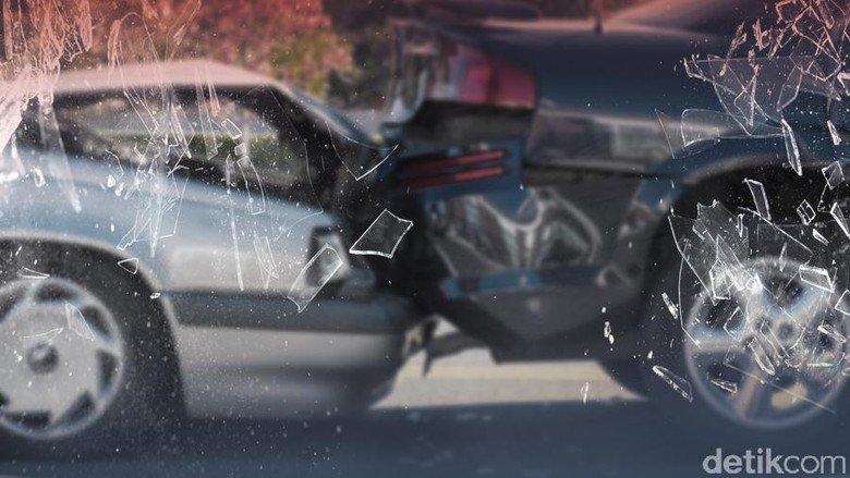 Mercedes-Benz Kecelakaan di Tol Pluit, 2 Orang Luka https://t.co/wgEitGLHkQ https://t.co/lMFp32skTP