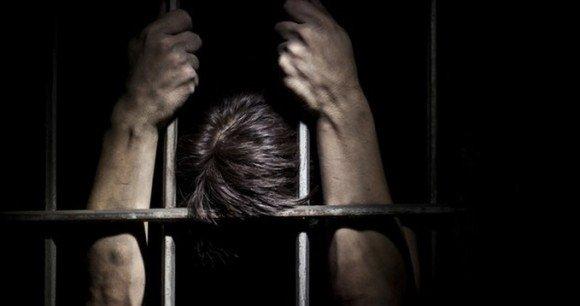 【RT18000UP】 8時間が1000年に。薬の服用で脳の感覚を狂わせ、受刑者に懲役1000年を https://t.co/xqarxcj299