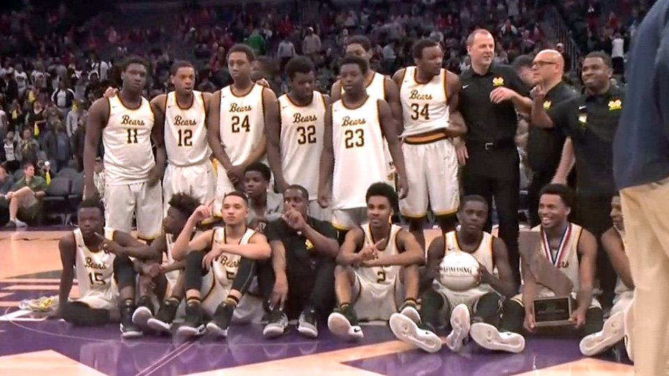 Congratulations to Mission High's 'Grimy' Bears, first San Francisco public school to win a state title! https://t.co/iA5XQar8Te