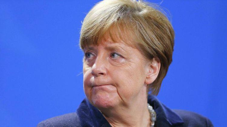 Меркель признала ряд ошибок ЕС https://t.co/344wN89F2g https://t.co/rPtSBChb5V