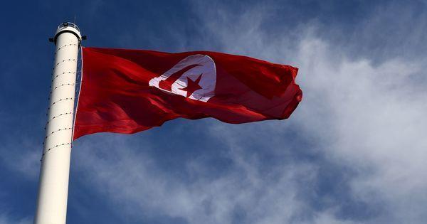 En Tunisie, les victimes du régime de Bourguiba témoignent à la télévision https://t.co/5Kg5kgv3xg