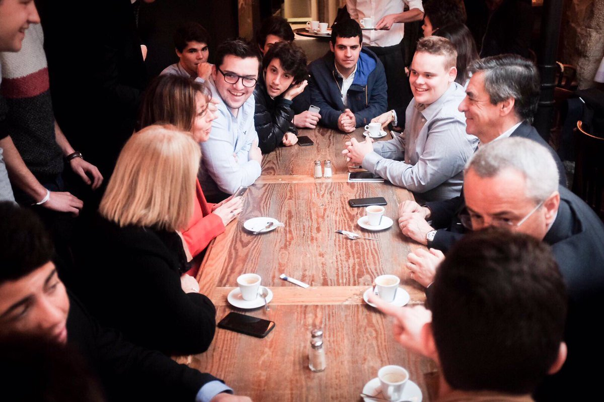 Des rencontres et des échanges autour d'un café aux Halles de #Biarritz pour débuter cette 2ème journée au #paysbasque.