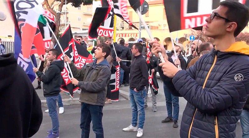 «Rendez #Rome aux Romains» : des nationalistes italiens fustigent violemment l'#UE (VIDEO) https://t.co/fSahu3xX8g