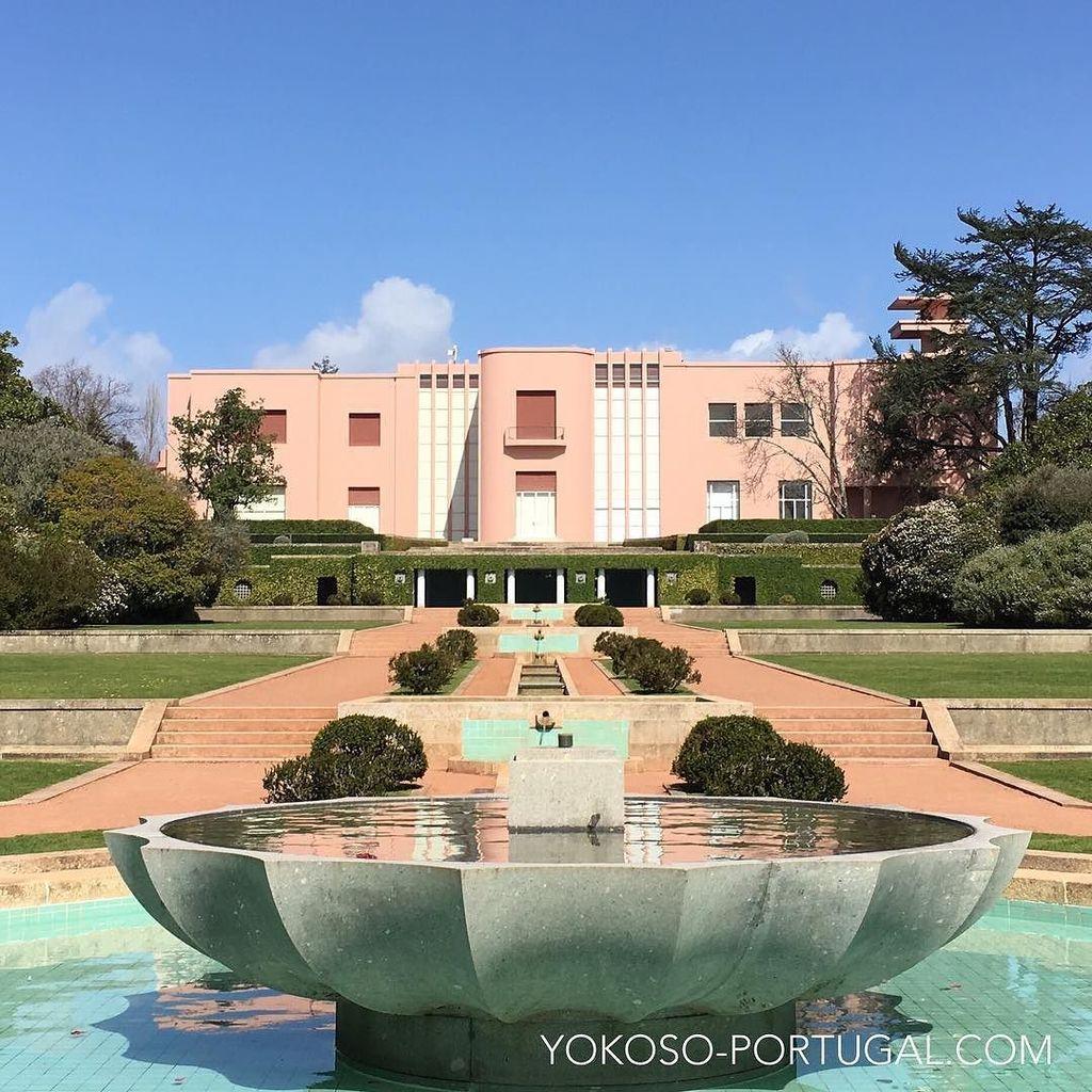 test ツイッターメディア - セラルヴェス現代美術館の庭園内に建つCasa de Serralves 。ポルトのサン・ベント駅も設計したJosé Marques da Silva氏の作品です。 #ポルト #ポルトガル https://t.co/EFoLh1IJXw