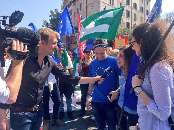 'Wenn wir jetzt nicht aufpassen, wird uns Europa genommen.' #pulseofeurope #EU60 #marchforEurope2017