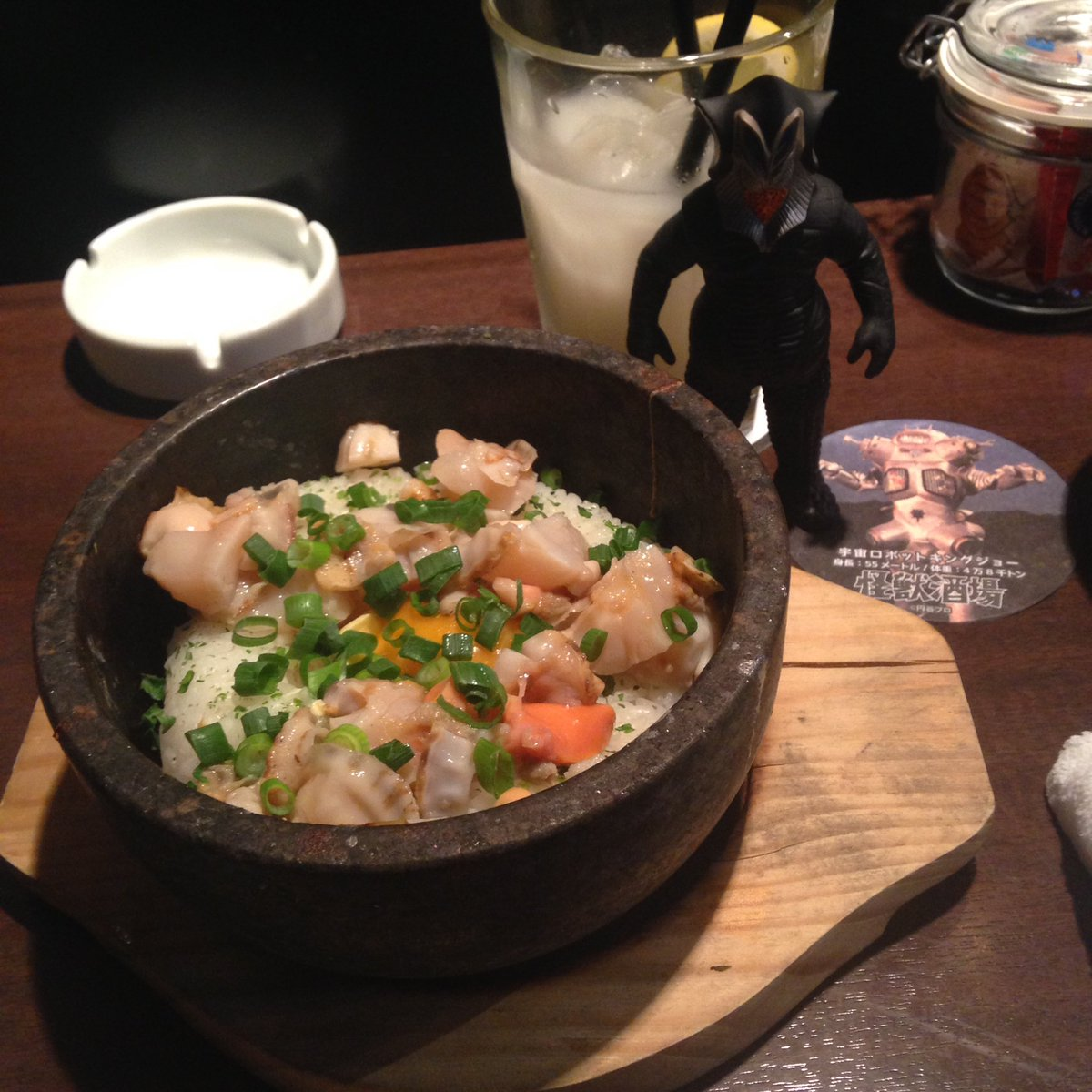今日も怪獣酒場美味しかった( ´ ▽ ` )帆立の釜飯のひつまぶしが美味しくて、1番当たりだと思ったのが濃厚すくい豆腐!