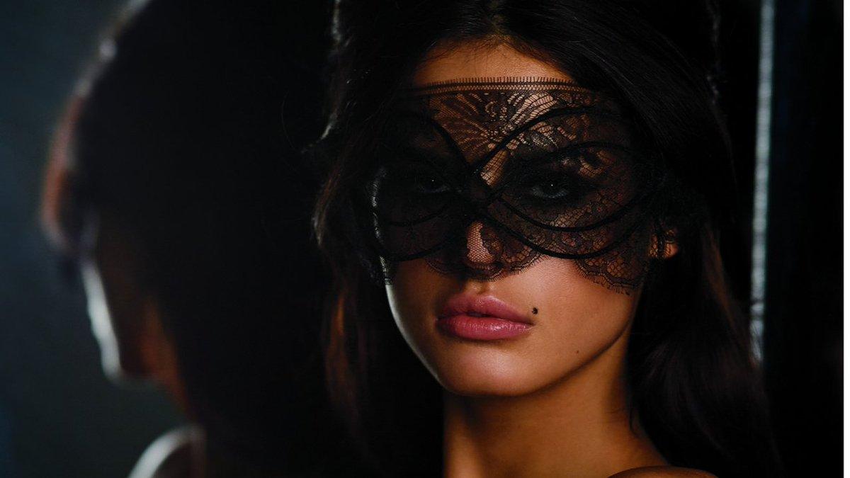Serbiens neues Supermodel|Lass die Maske fallen!