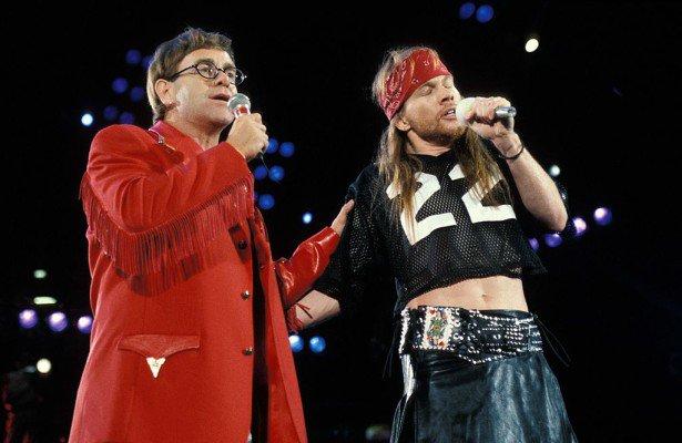 Happy Birthday Mr. Elton John  70 anos um sobrevivente de tantas loucuras .